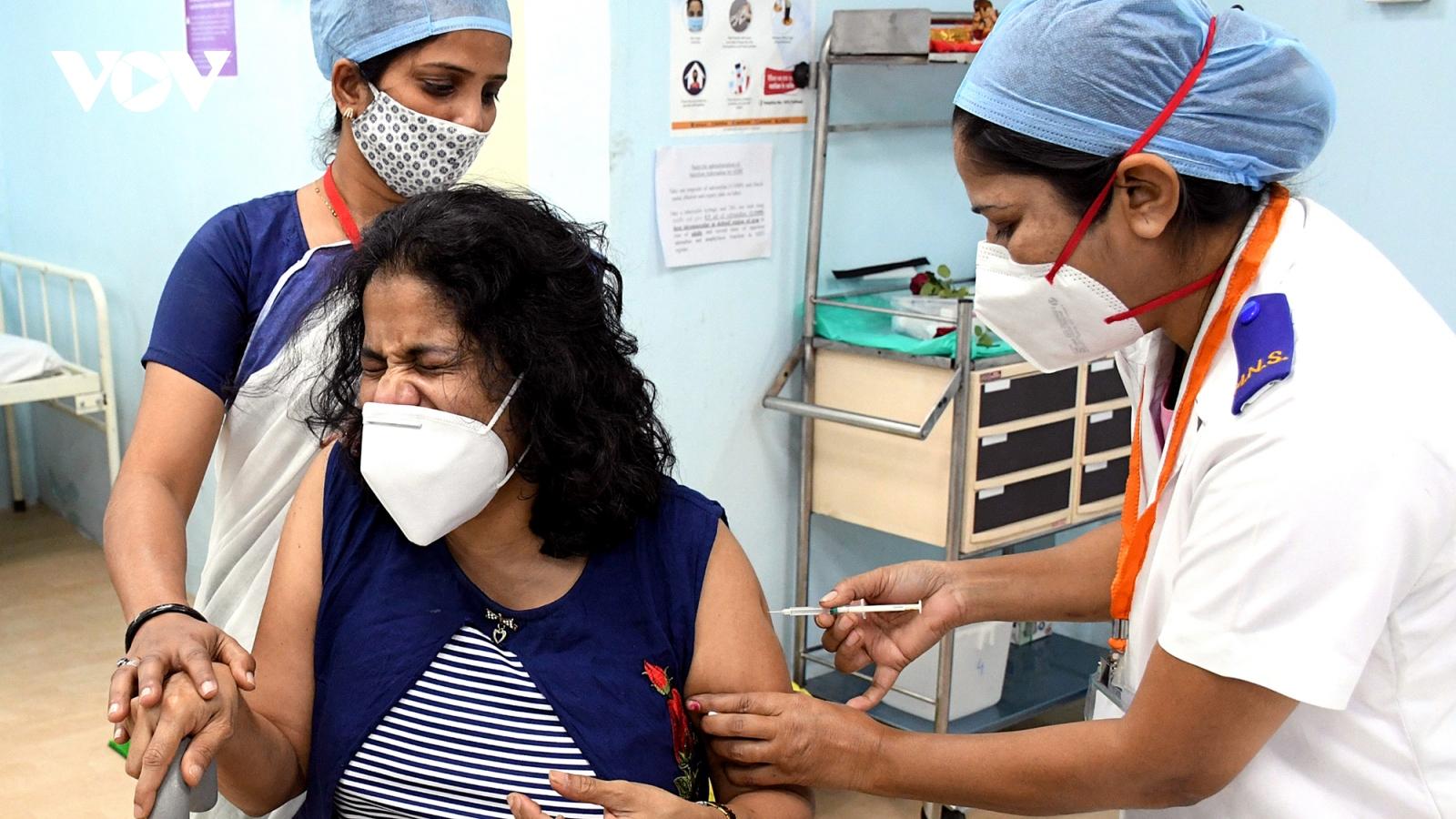 Cận cảnh chiến dịch tiêm chủng vaccine Covid-19 của Ấn Độ