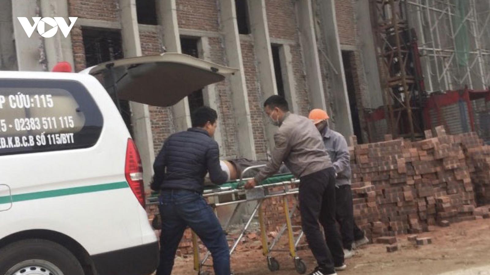 Sở Tài chính Nghệ An thông tin vụ rơi vận thăng khiến 11 công nhân thương vong