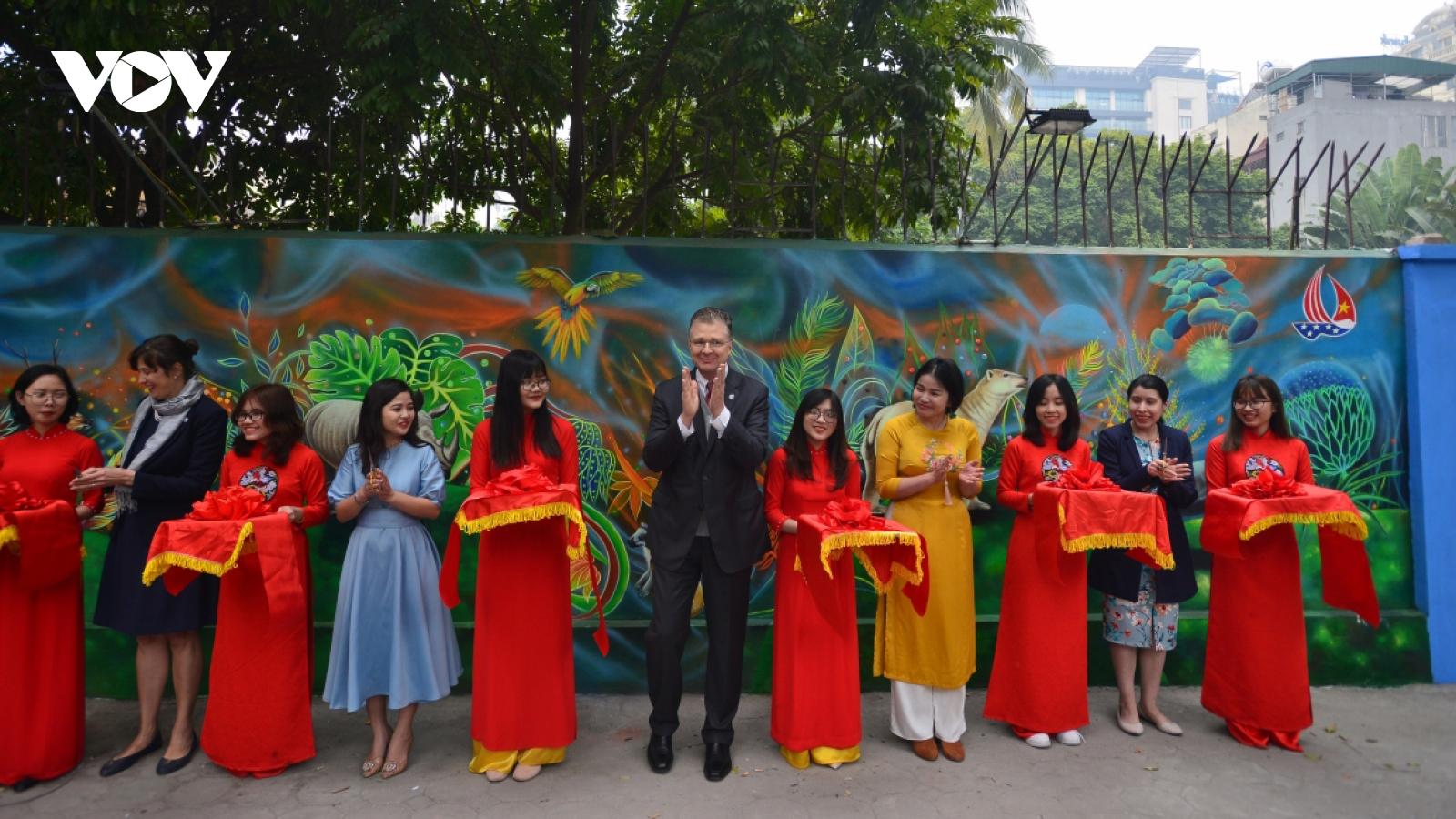 US Embassy inaugurates mural painting on environmental protection