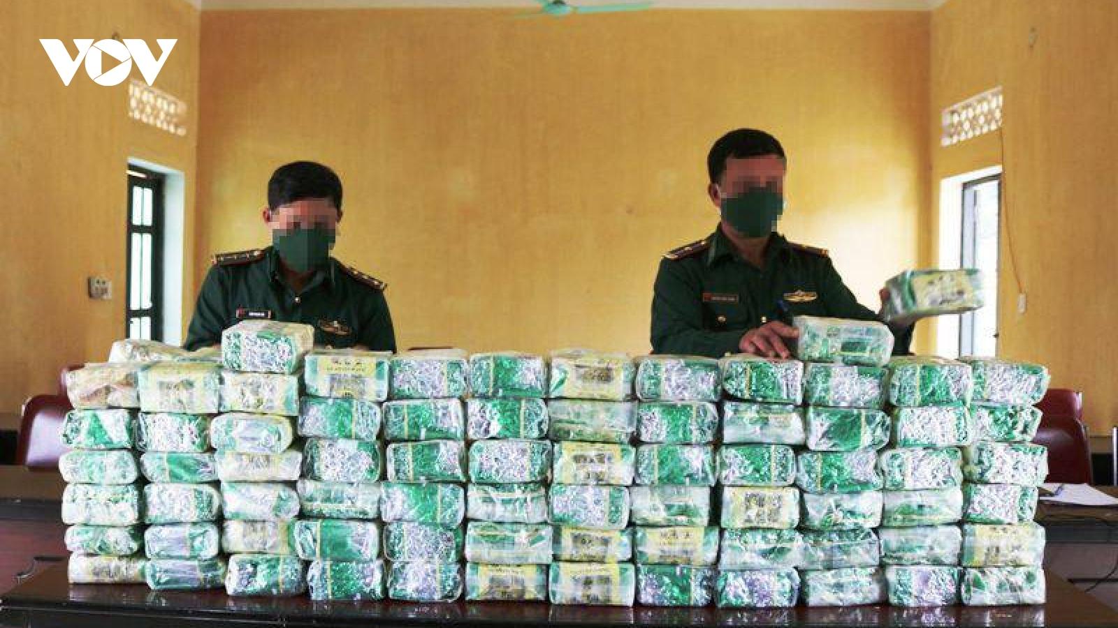 Bộ đội biên phòng Nghệ An đóng chốt 24/24 nhằm bảo đảm an ninh và phòng chống dịch