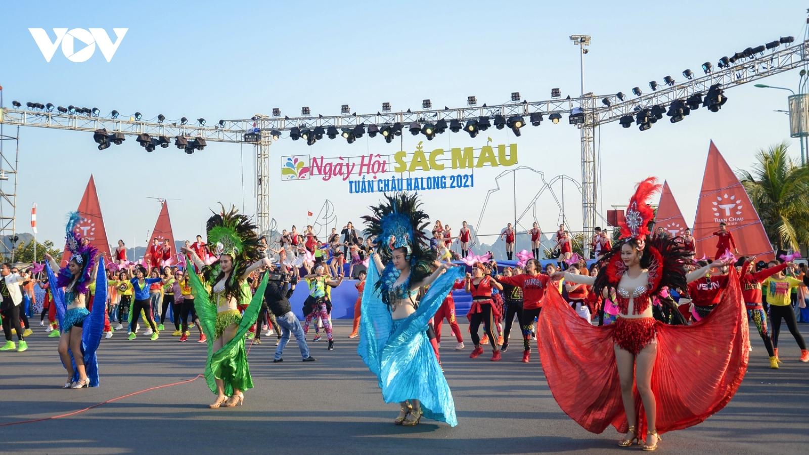 """Quảng Ninh tổ chức loạt sự kiện để """"hâm nóng"""" thị trường du lịch"""