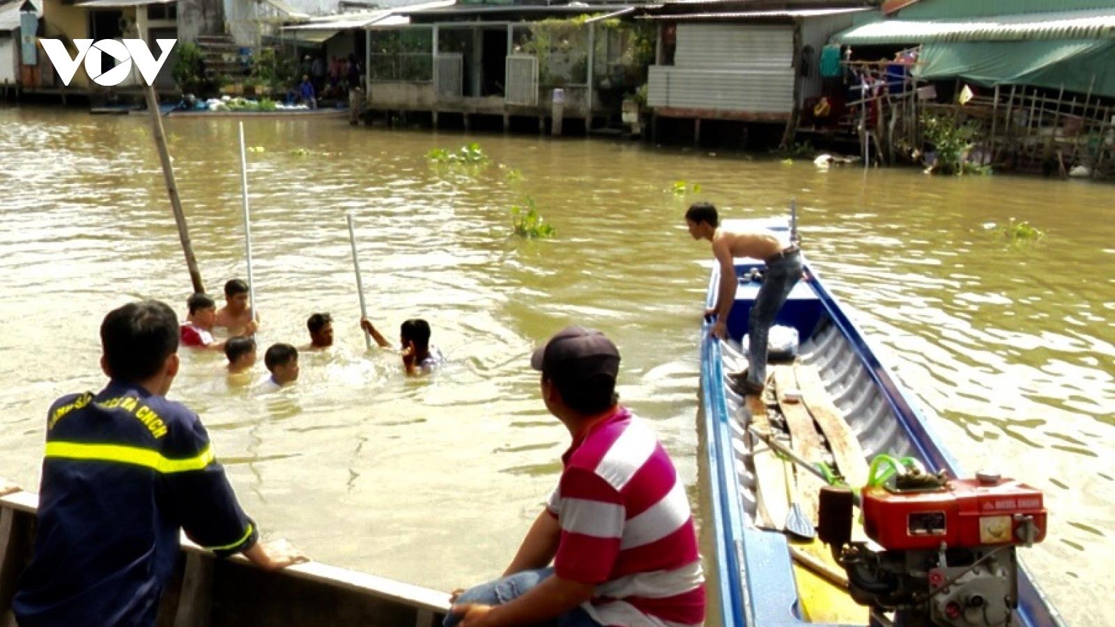 Chìm ghe sông Ba Láng xã Tân Phú Thạnh làm 1 người chết