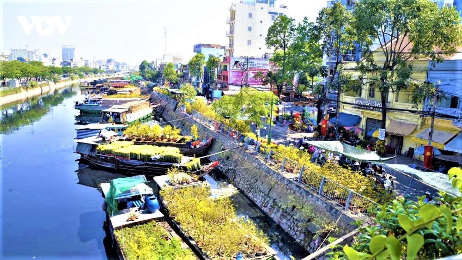 Đặc sắc chợ hoa xuân bến Bình Đông dịpTết Tân Sửu 2021