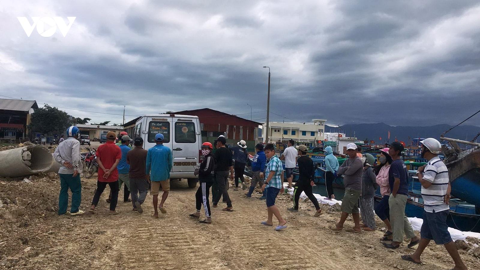 Tàu cá gặp nạn, 2 ngư dân chết và mất tích ởKhánh Hòa