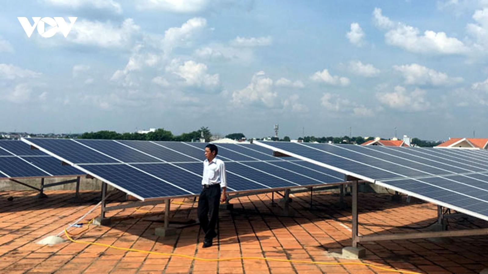 Tổng công suất lắp đặt điện mặt trời mái nhà đạt gần 9.300 MWp