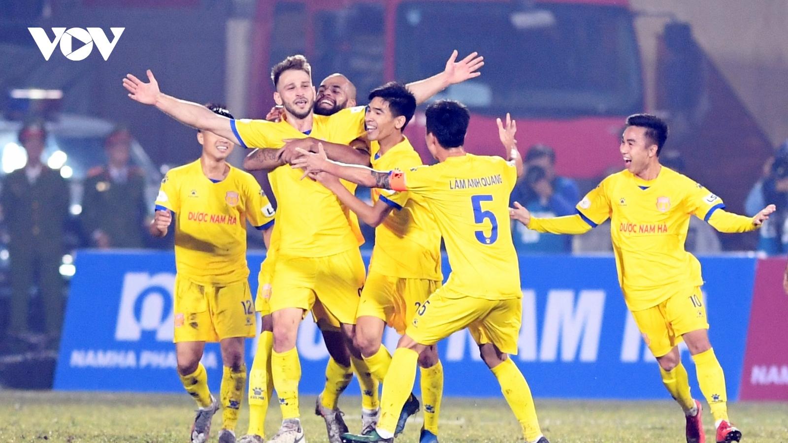 """Nam Định """"đè bẹp"""" Hà Nội FC: Khi Thiên Trường trở thành Thiên Đường"""