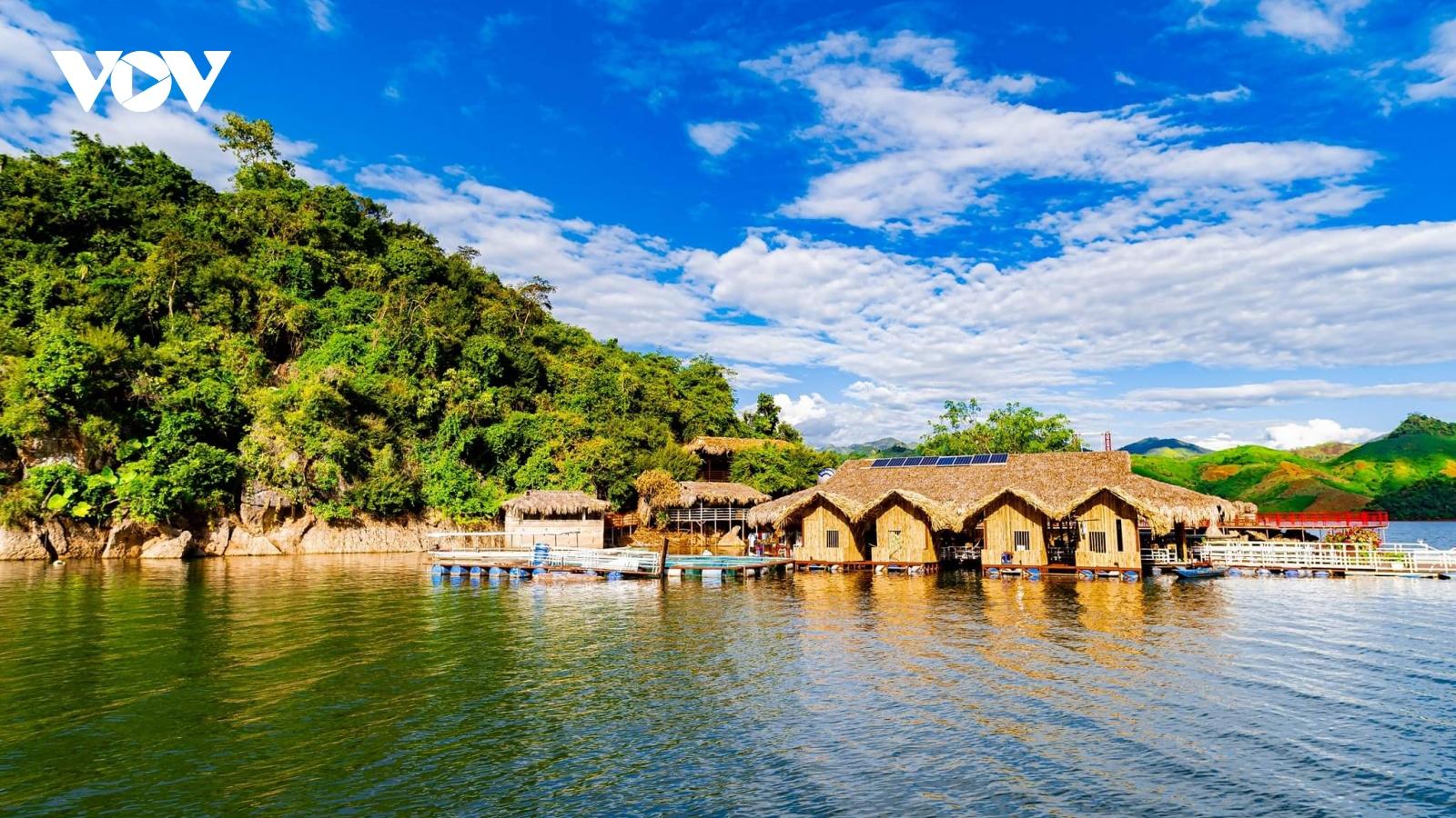 Hồ thủy điện Quỳnh Nhai thu hút đầu tư du lịch cao cấp