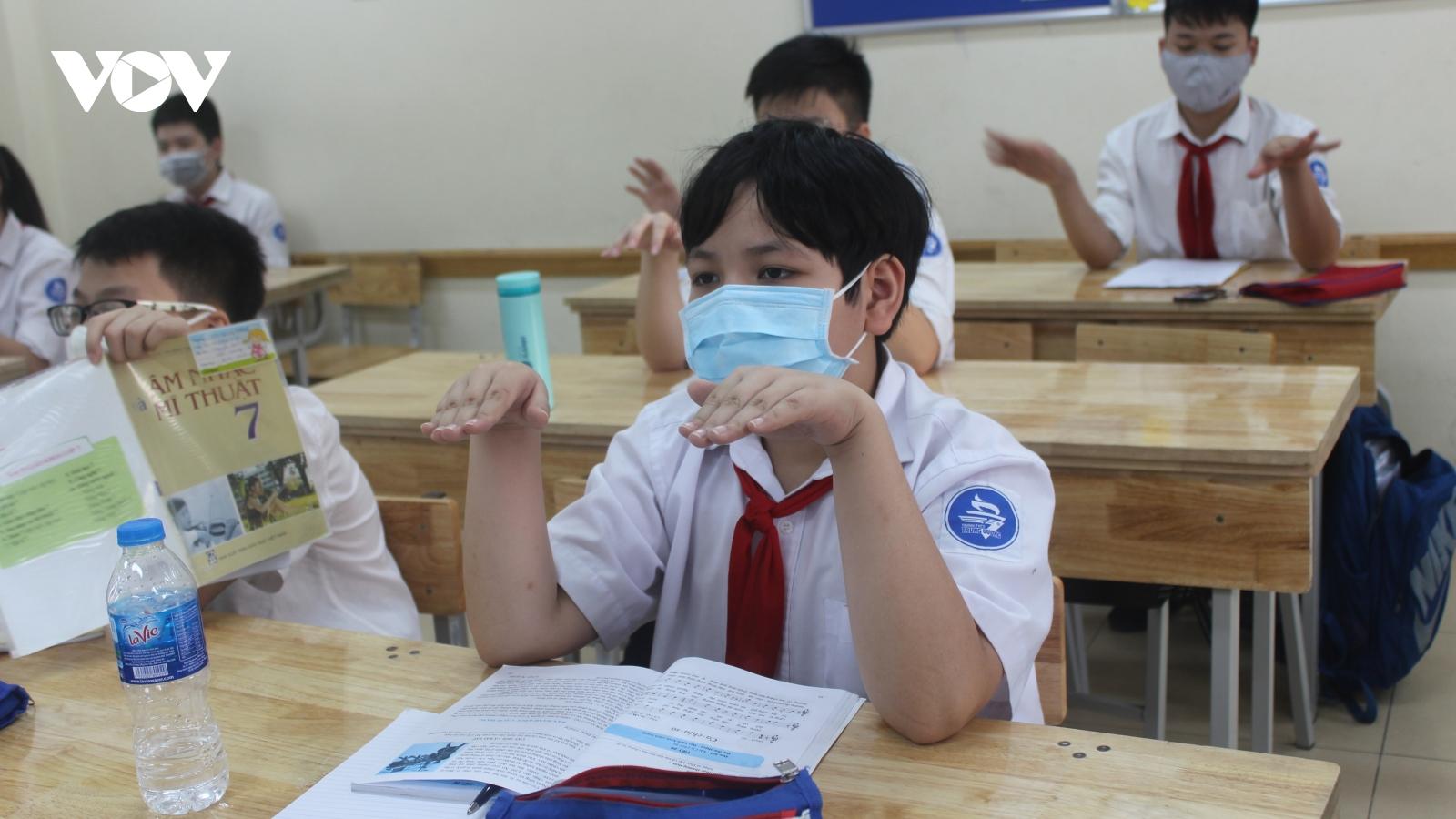 Một trường học tại Hưng Yên phải cho học sinh nghỉ vì có F1