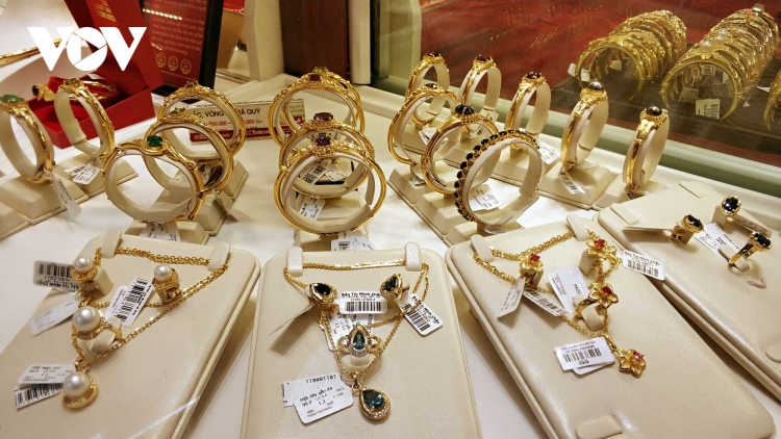 Giá vàng giảm mạnh về sát mức 55 triệu đồng/lượng