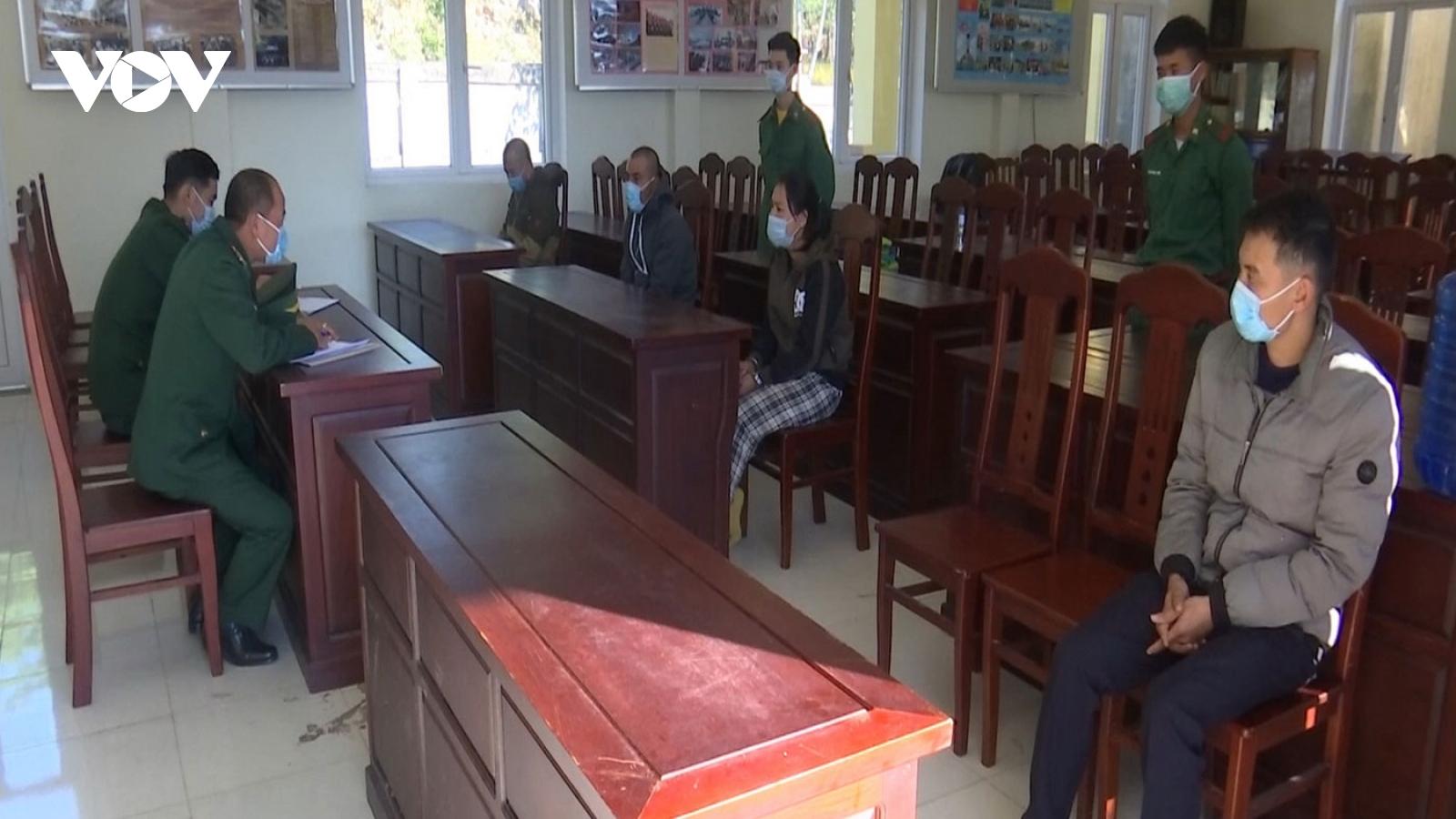 Biên phòng Quảng Trị bắt giữ 4 người vượt biên từ Lào về
