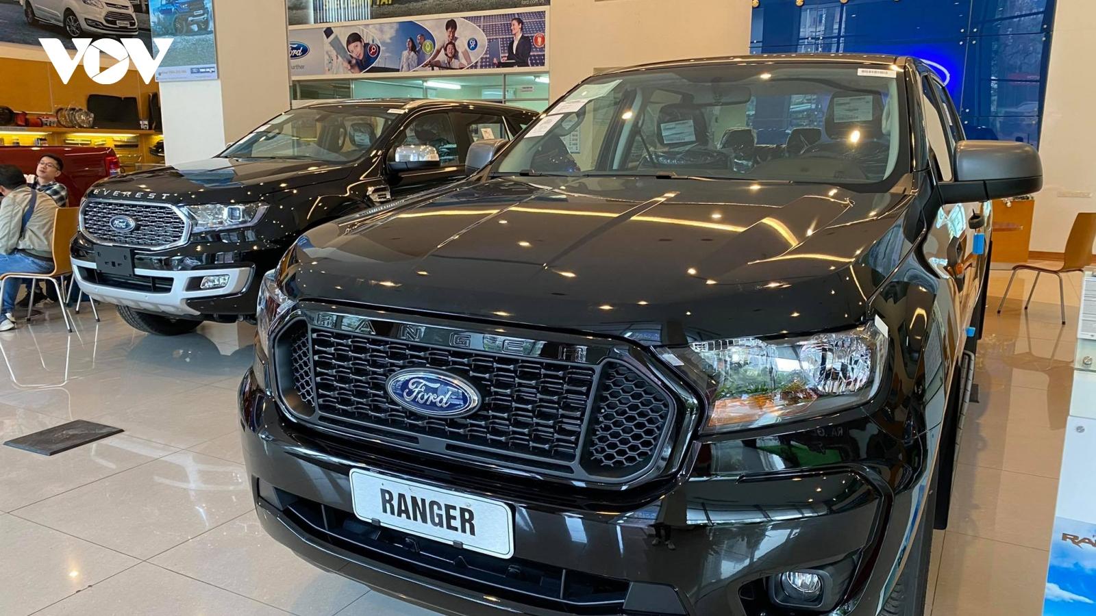 Chạy phí trước bạ cuối năm, thị trường ô tô bứt phá mạnh mẽ