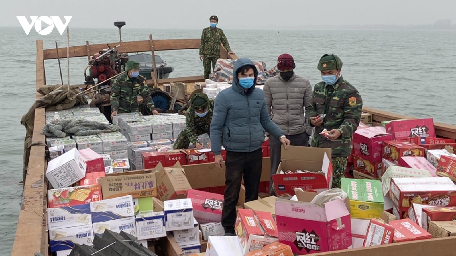 Quảng Ninhcách ly 2 thuyền viênvận chuyển hàng hóa nhập lậu qua vùng biển