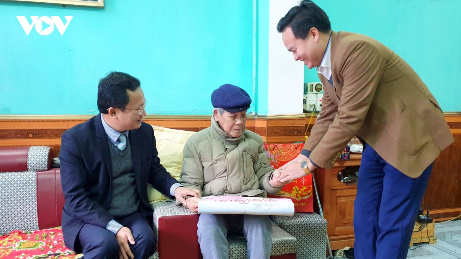 Quảng Ninh chi hơn 115 tỉ đồng hỗ trợđối tượng chính sách dịp Tết