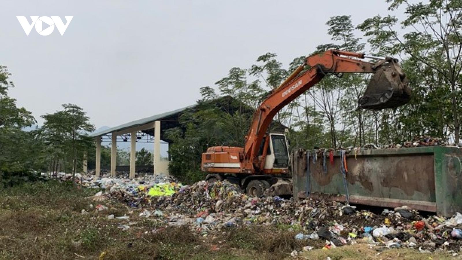 Núi rác 10.000 tấn ở Mỹ Đức (Hà Nội): Ai chịu trách nhiệm?