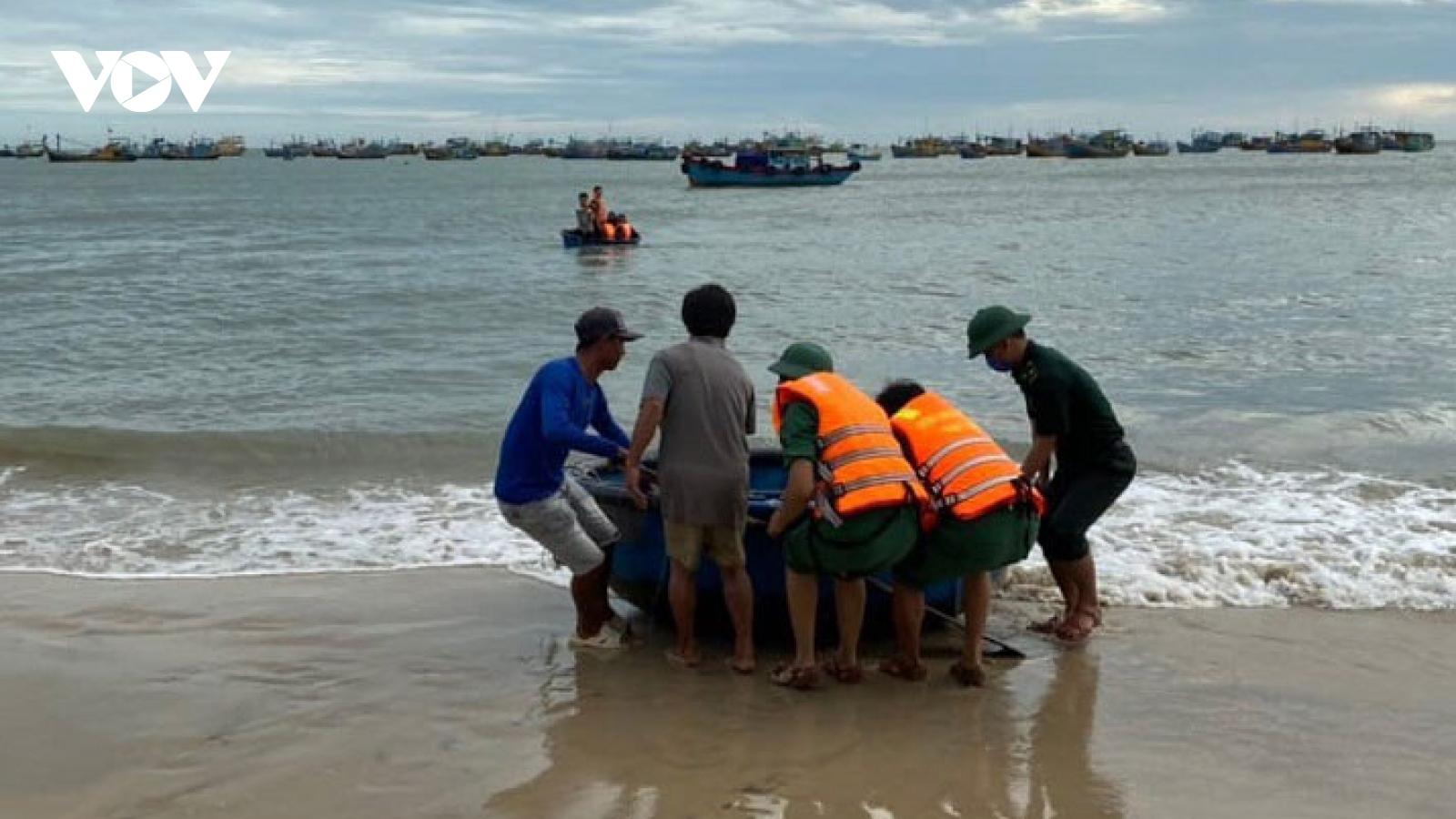 Tìm được thi thể nạn nhân thứ 2 bị sóng cuốn trôi khi tắm biển tại Kê Gà