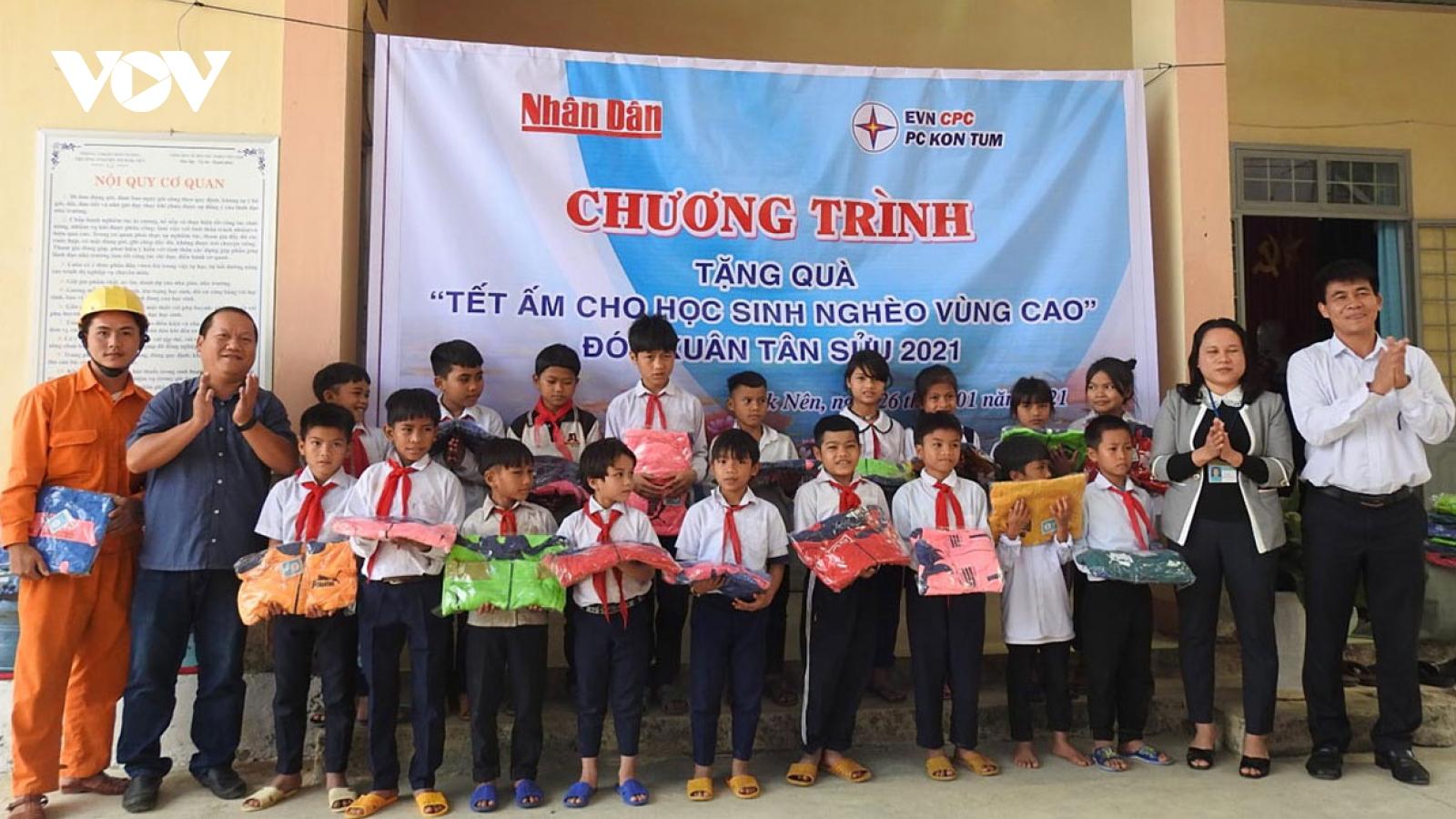 Làng cuối cùng của huyện Kon Plông, Kon Tum có điện lưới quốc gia