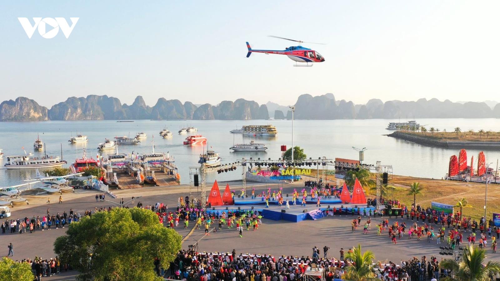 Vịnh Hạ Long đón gần 5.700 khách du lịch trong 2 ngày đầu năm mới
