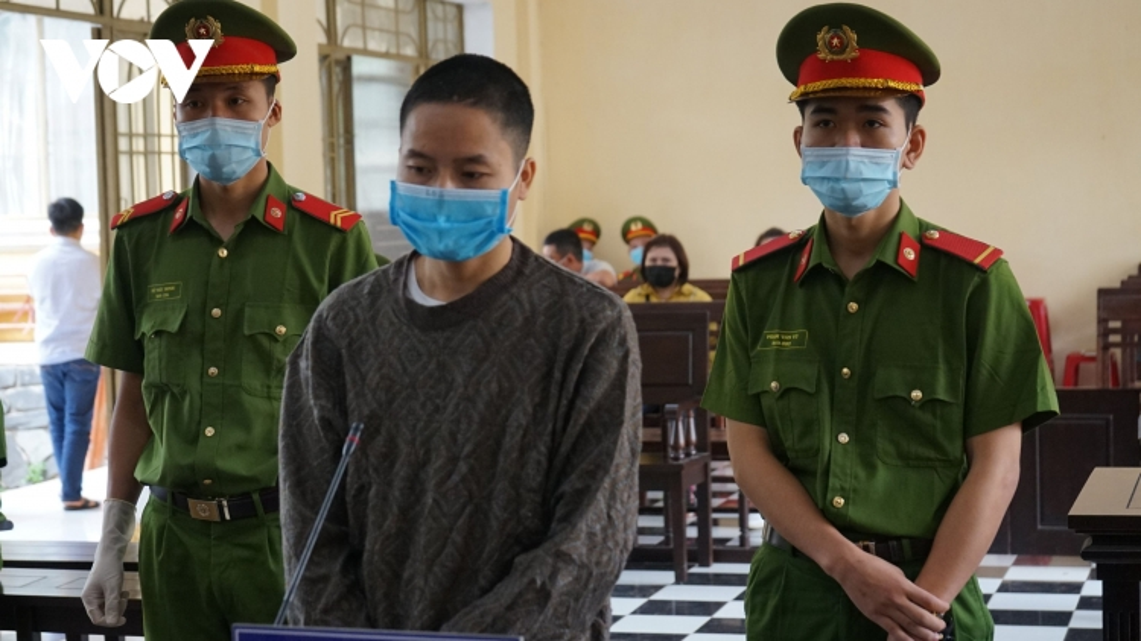 Phu vàng cầm dao đâm chết quản lý lĩnh 2 năm tù