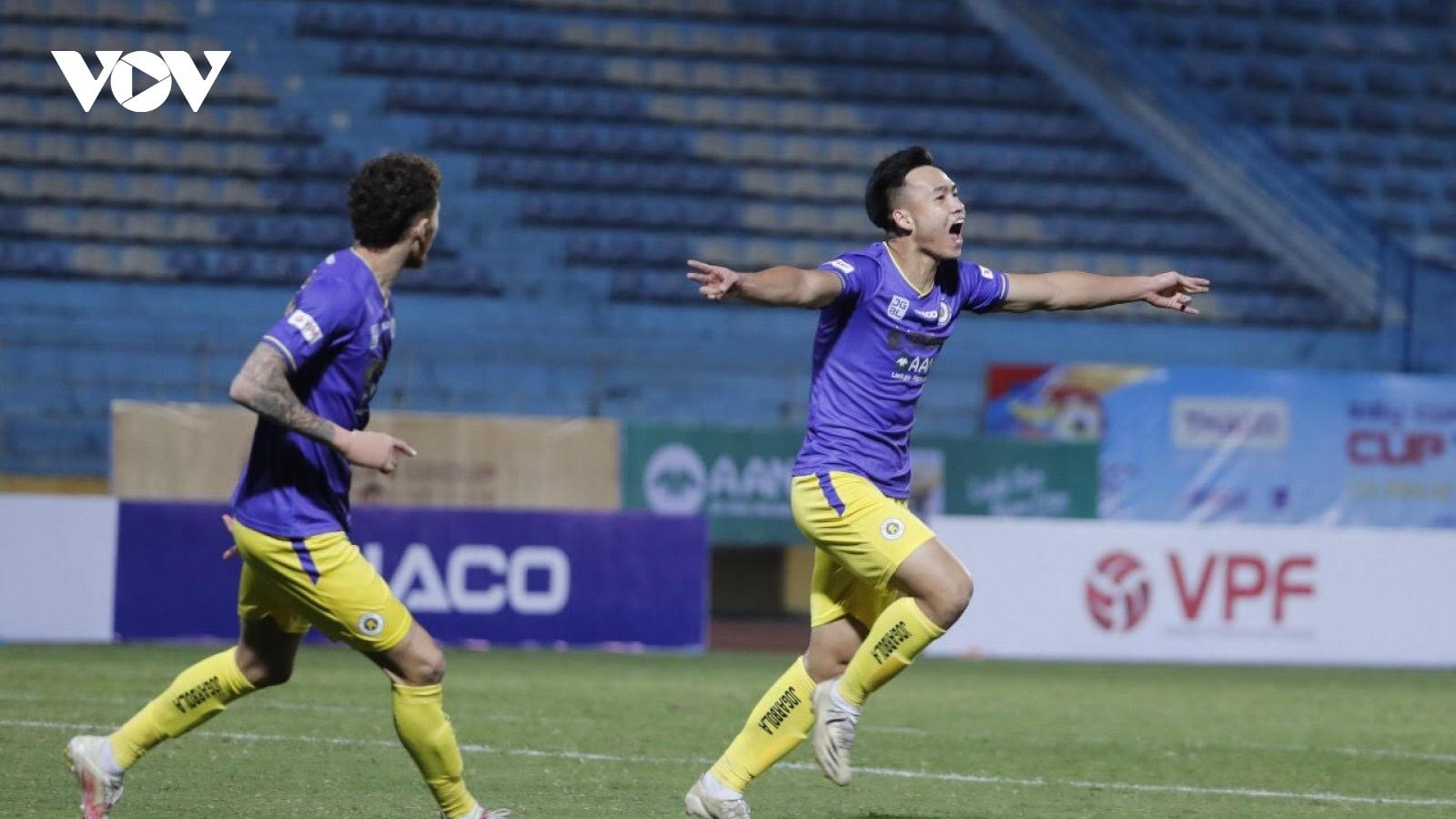 Việt Anh xé lưới Viettel, Hà Nội FC lần thứ 4 giành Siêu Cúp Quốc gia