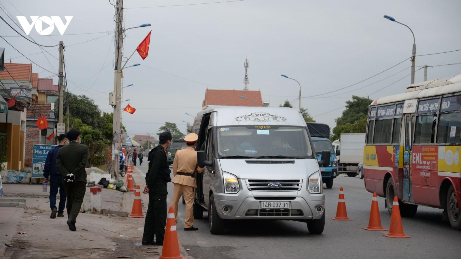 Tạm dừng các hoạt động vận tải khách đường bộ, đường thủy tại Quảng Ninh