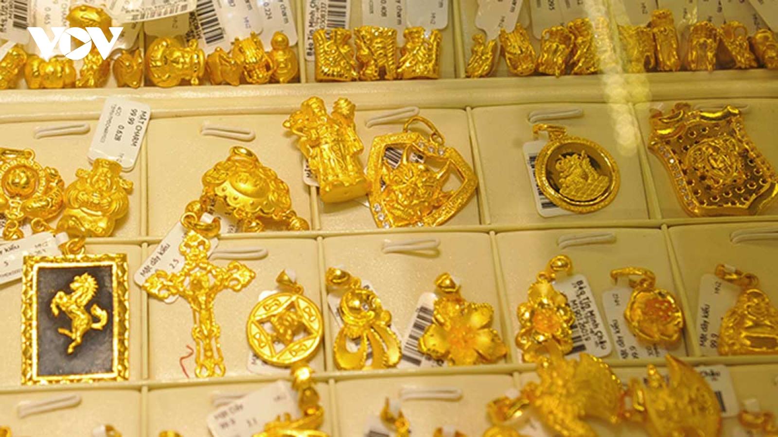 Vàng trong nước đảo chiềugiảm giá