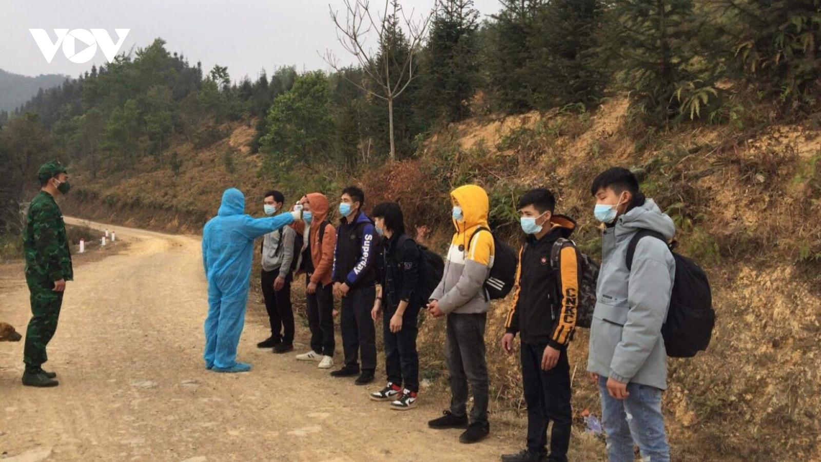 Bắt 7 ngườinhập cảnh trái phép từ Trung Quốc