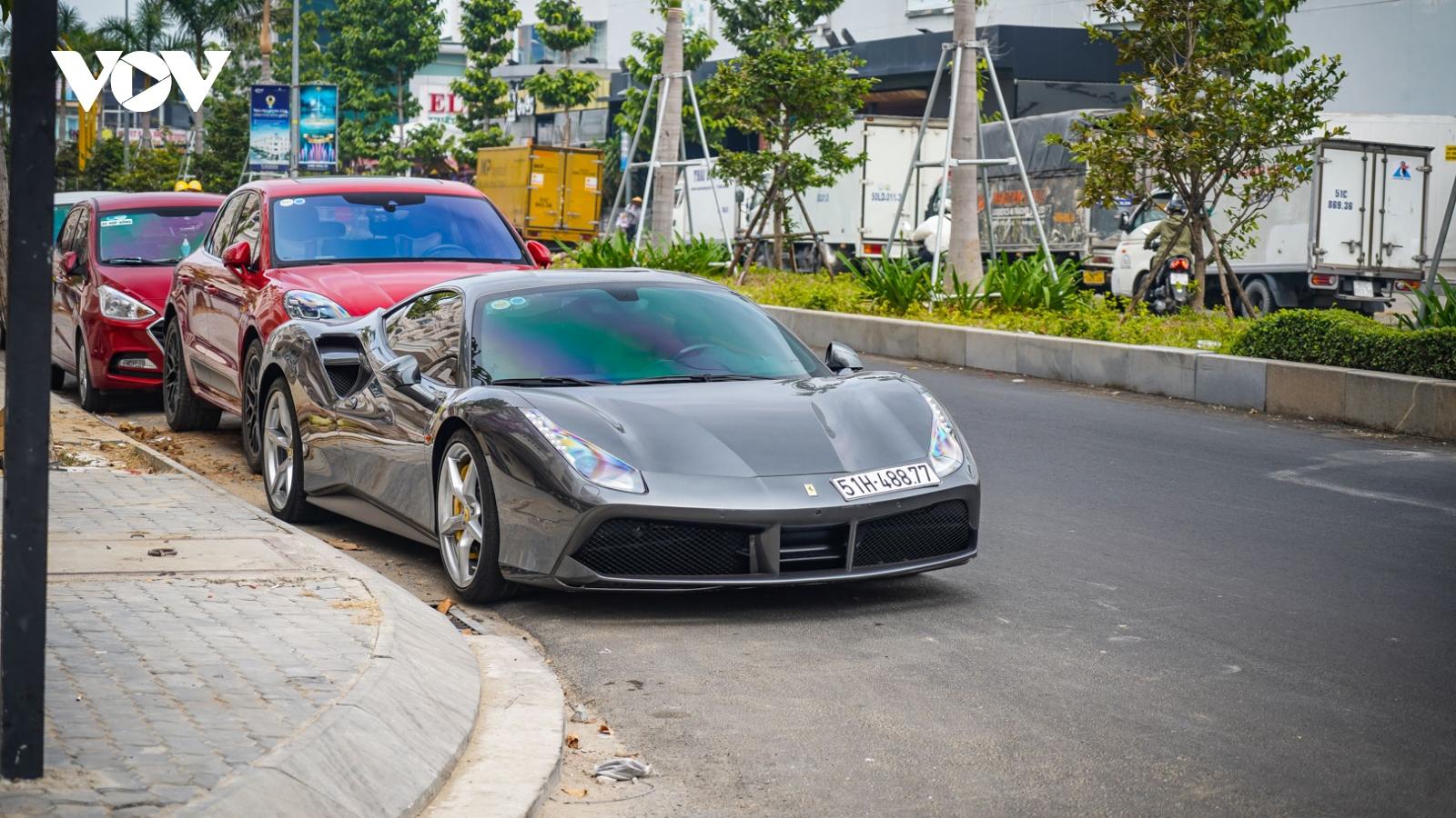 Ngắm nhìn vẻ đẹp của chiếc Ferrari 488 GTB đầu tiên về Việt Nam