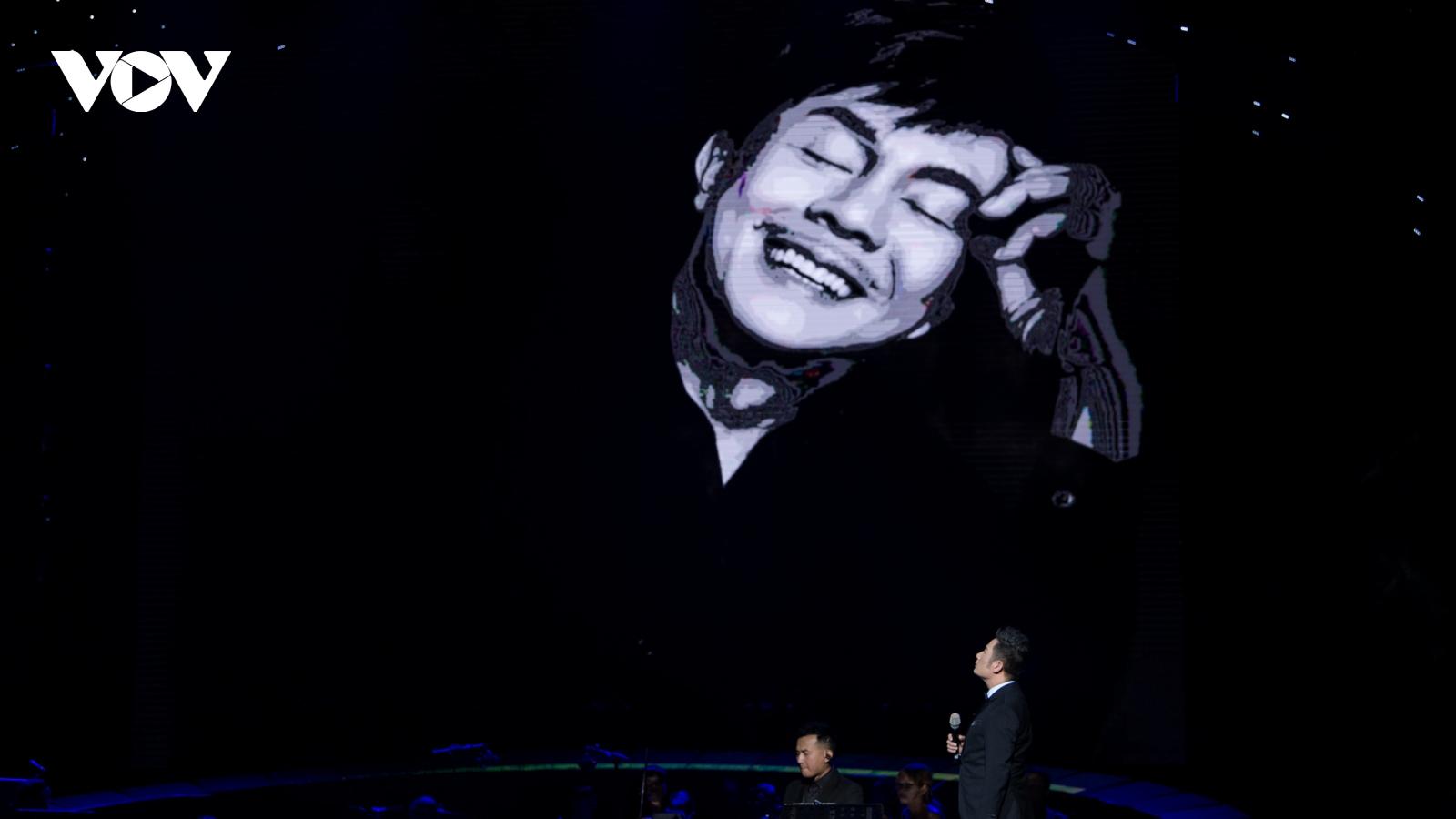 Bằng Kiều nghẹn ngào nhắc kỷ niệm với Chí Tài, hát ca khúc được đàn anh gửi gắm