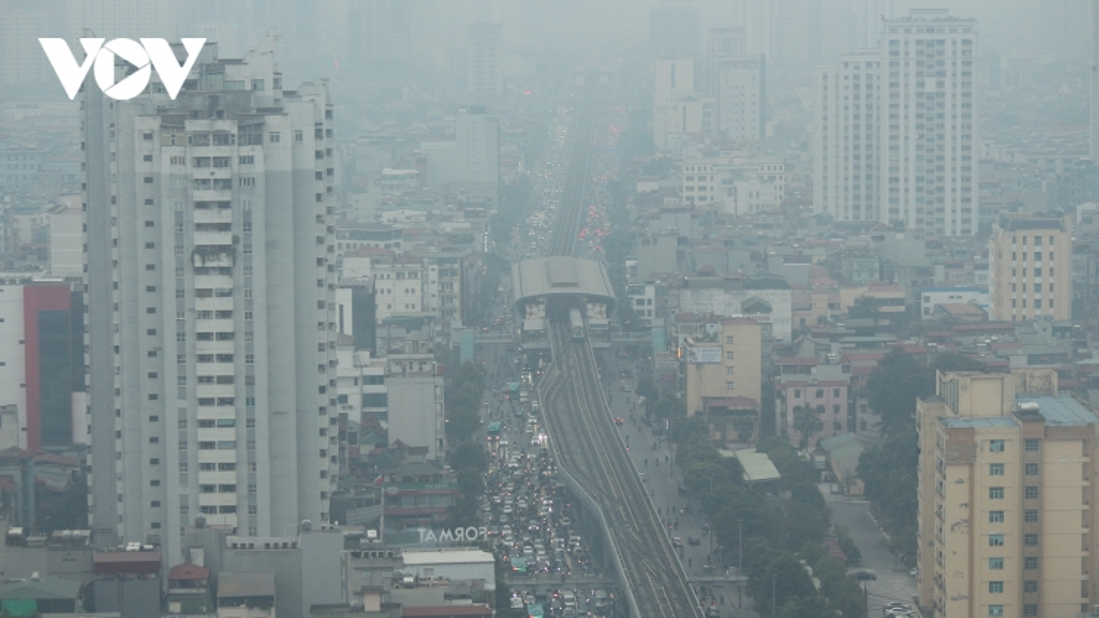 Thành phố Hà Nội mờ mịt vì ô nhiễm không khí