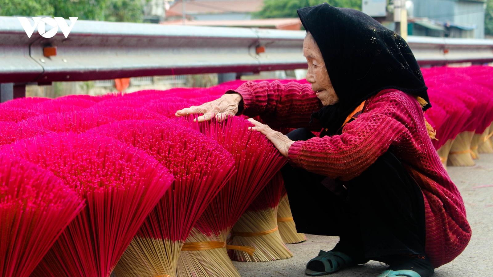 Làng hương Quảng Phú Cầu tất bật những ngày cuối năm