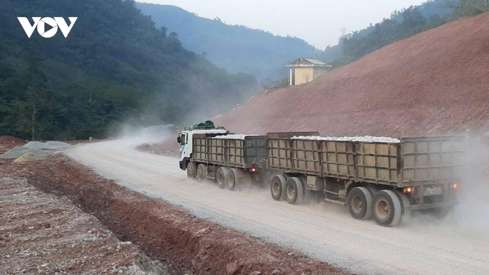 Thông tuyến Quốc lộ 12A sau hơn 2 tháng đứt gãy do mưa lũQuảng Bình