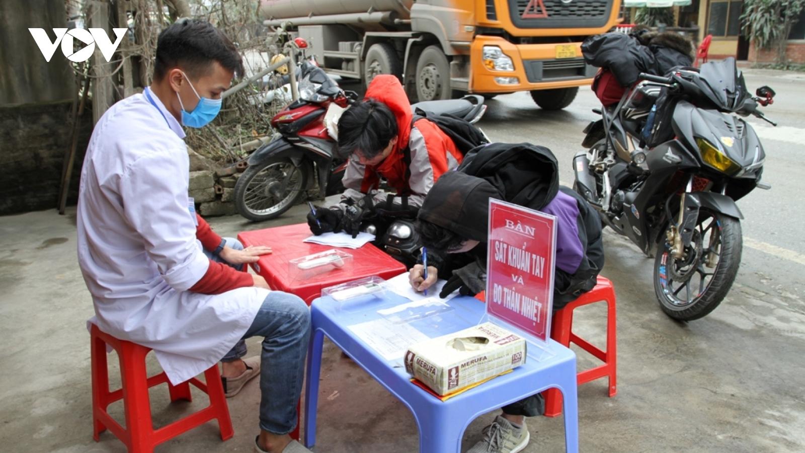 Các chốt kiểm dịch y tế tại Yên Bái hoạt động 24/24h