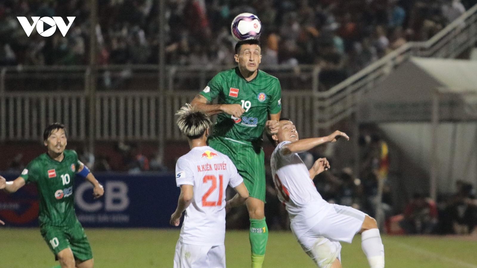 TRỰC TIẾP Sài Gòn FC 1-0 HAGL: Đỗ Merlo gieo sầu cho Công Phượng