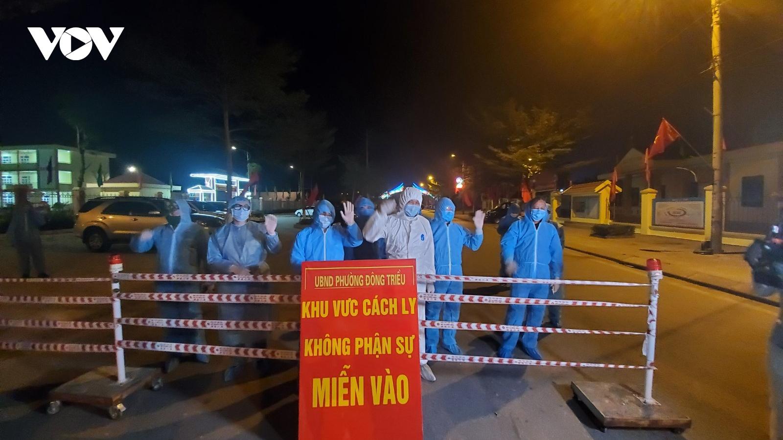 Phó Thủ tướng Vũ Đức Đam thị sát công tác phòng chống dịch ở Hải Dương và Quảng Ninh