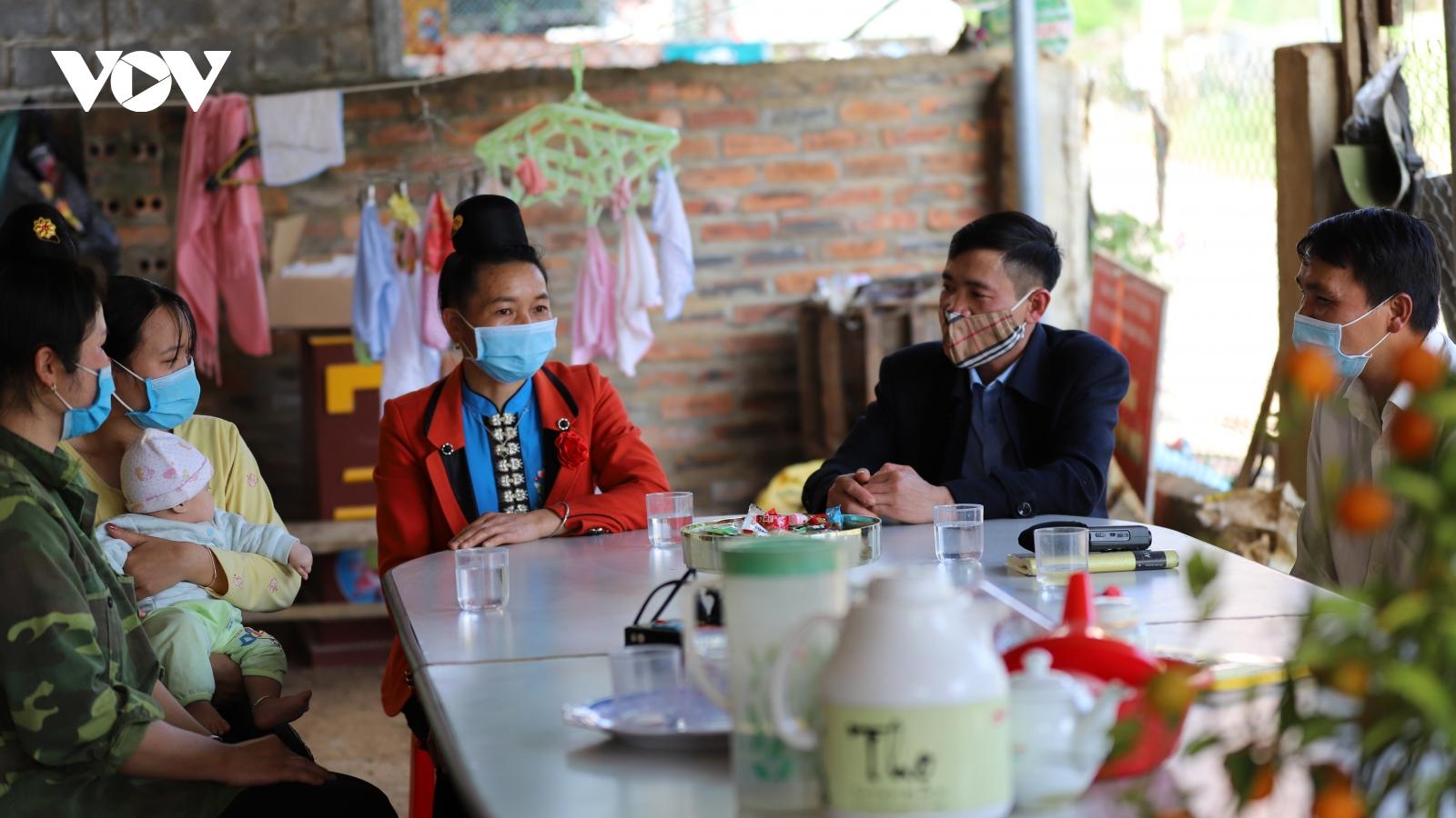 Nhân viên y tế thôn bản ở Sơn La nỗ lực vì sức khỏe cộng đồng