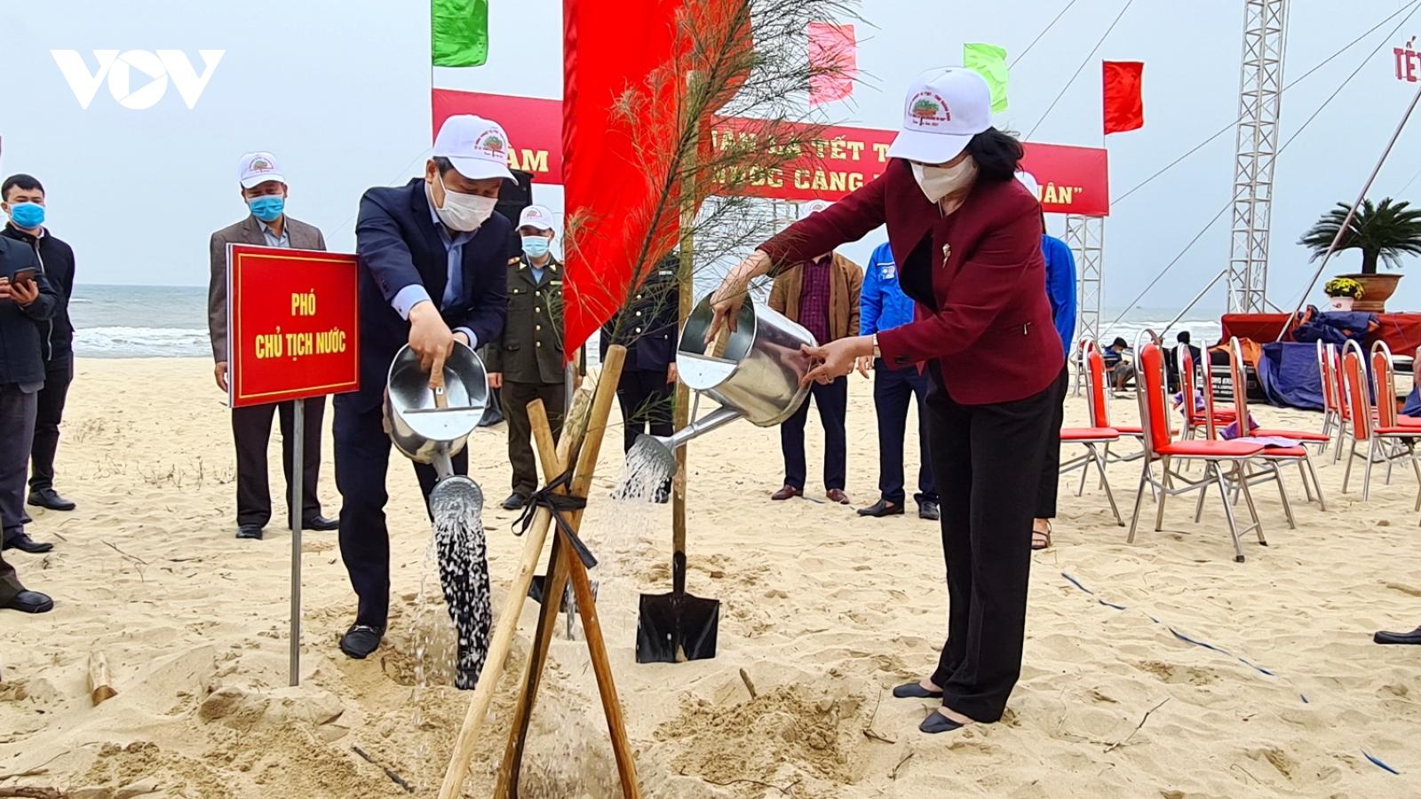 Phó Chủ tịch nước phát động Tết trồng cây tại Quảng Bình