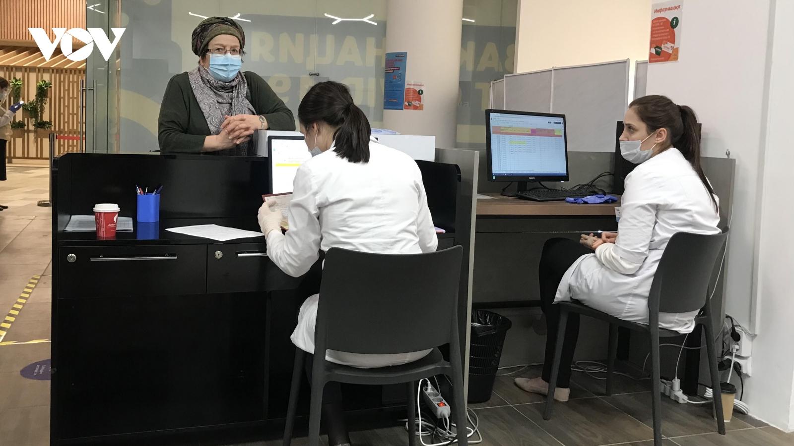 Bên trong điểm tiêm chủng ngừa Covid-19 tại Thủ đô Moscow