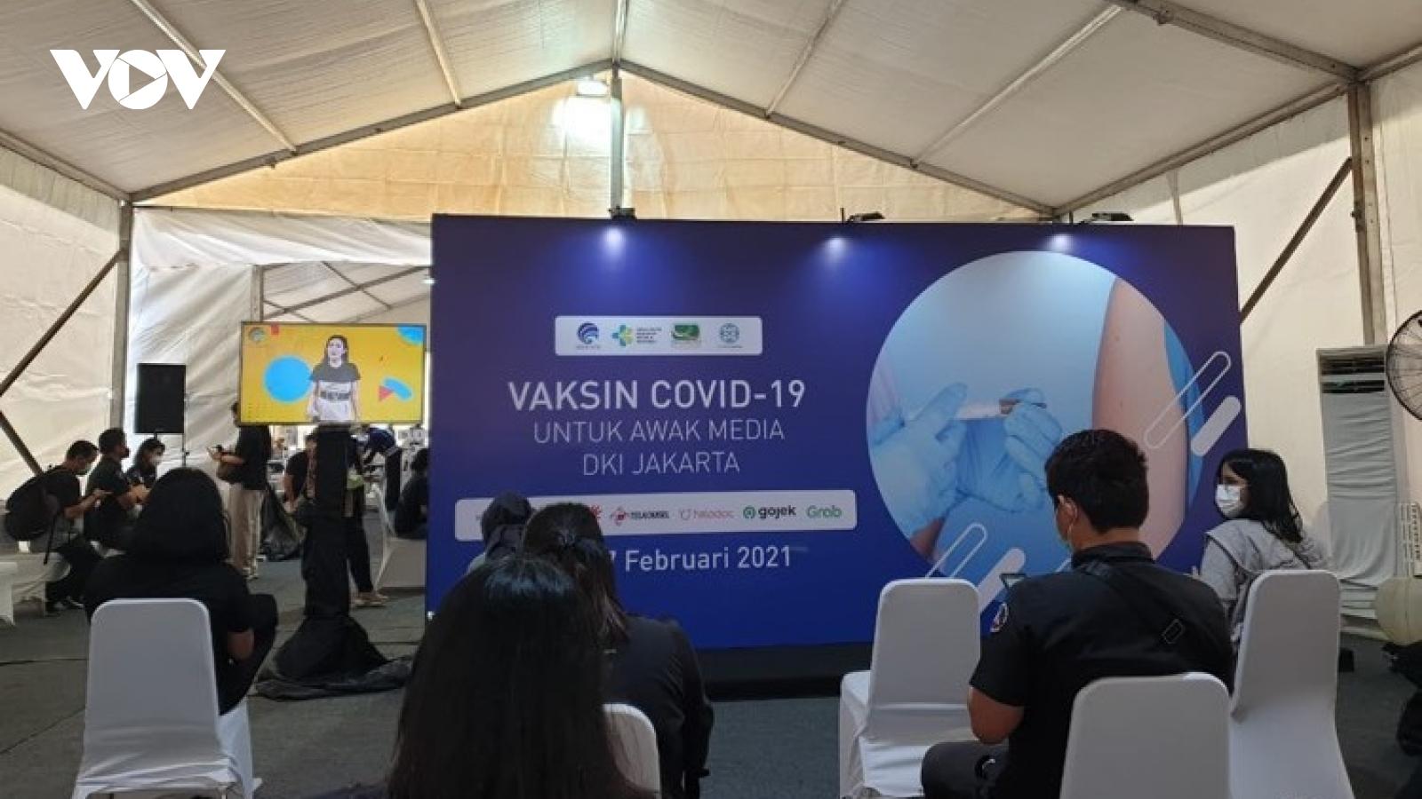 Indonesia cho phép khu vực tư nhân tiêm chủng vaccine Covid-19 độc lập