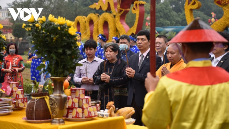 Thang Long relic site sees reenactment of traditional Tet rituals