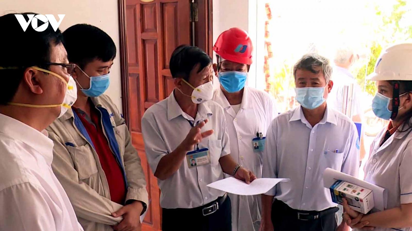 Bác sĩ Nguyễn Văn Lơ - gương sáng trong phòng chống dịch Covid-19