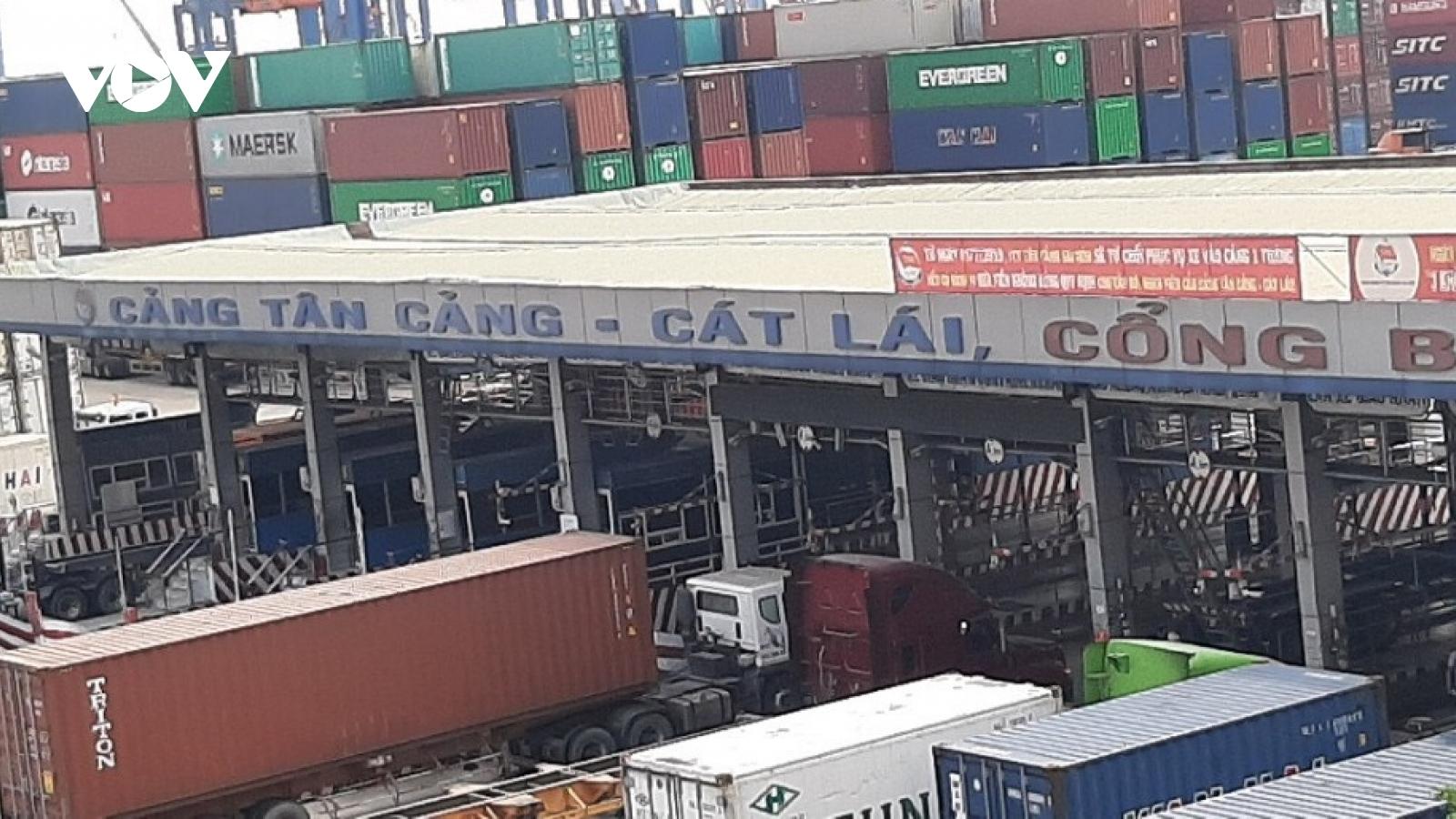 Cảng Cát Lái quá tải, nguy cơ 5 năm nữa sẽ không còn đường đi