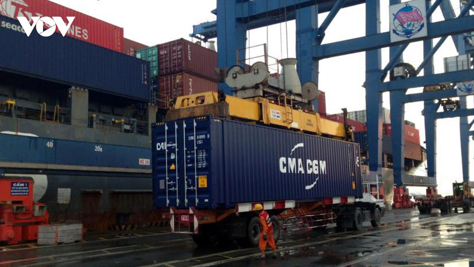 Hàng hóa qua cảng biển tháng 1 tăng cao kỷ lục