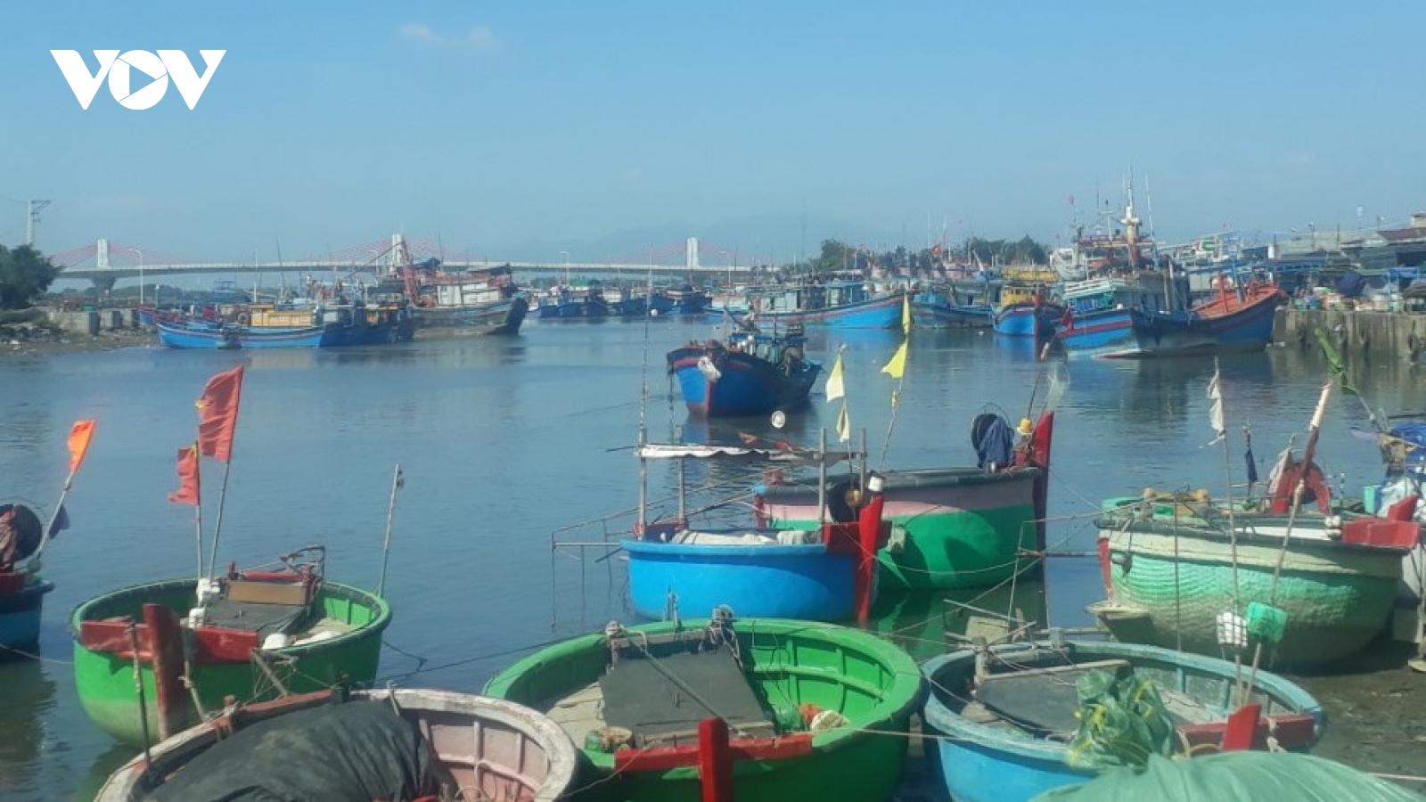 Chìm tàu trên vùng biển Bình Thuận, 3 ngư dân tử vong, 2 người mất tích
