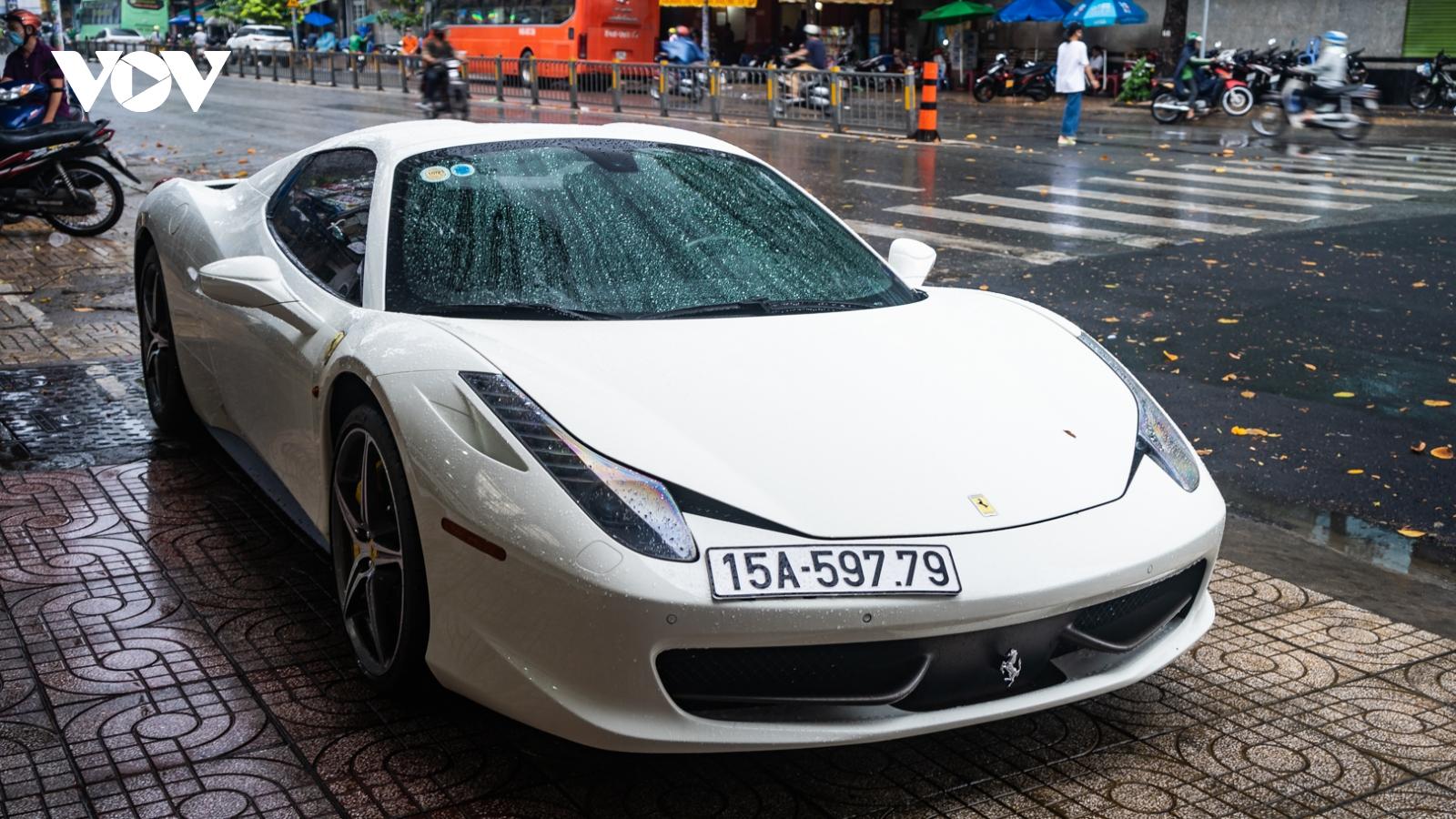 """Ngắm siêu xe """"hàng hiếm"""" Ferrari 458 Spider tại Việt Nam"""