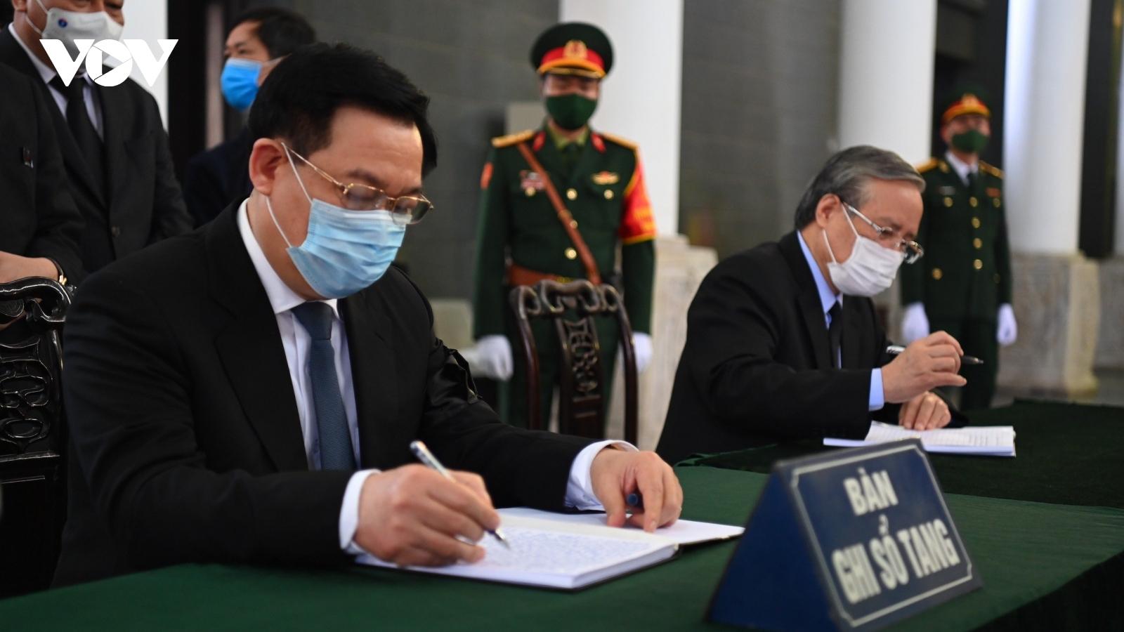 Xúc động những dòng sổ tang tiễn biệt nguyên Phó Thủ tướng Trương Vĩnh Trọng
