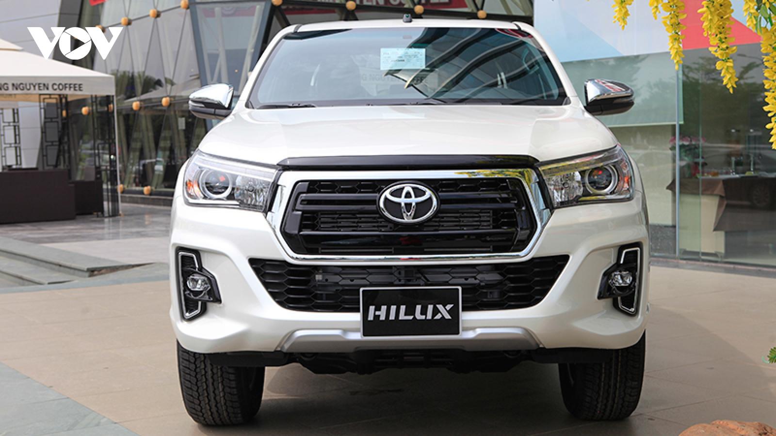 Triệu hồi Toyota Hilux vì có thể mất trợ lực phanh
