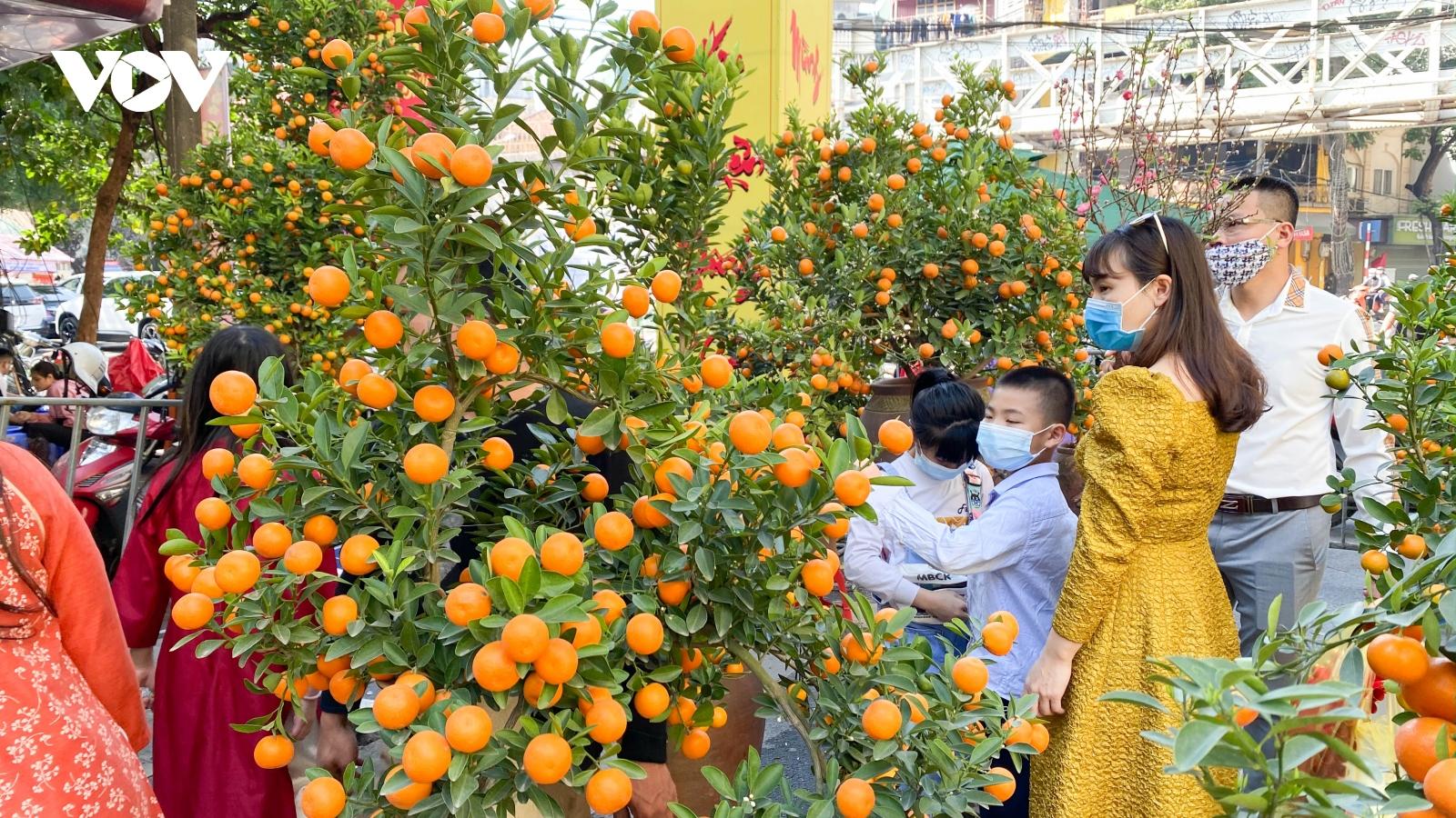 Phố phường Hà Nội quang đãng trong ngày 29 Tết Tân Sửu
