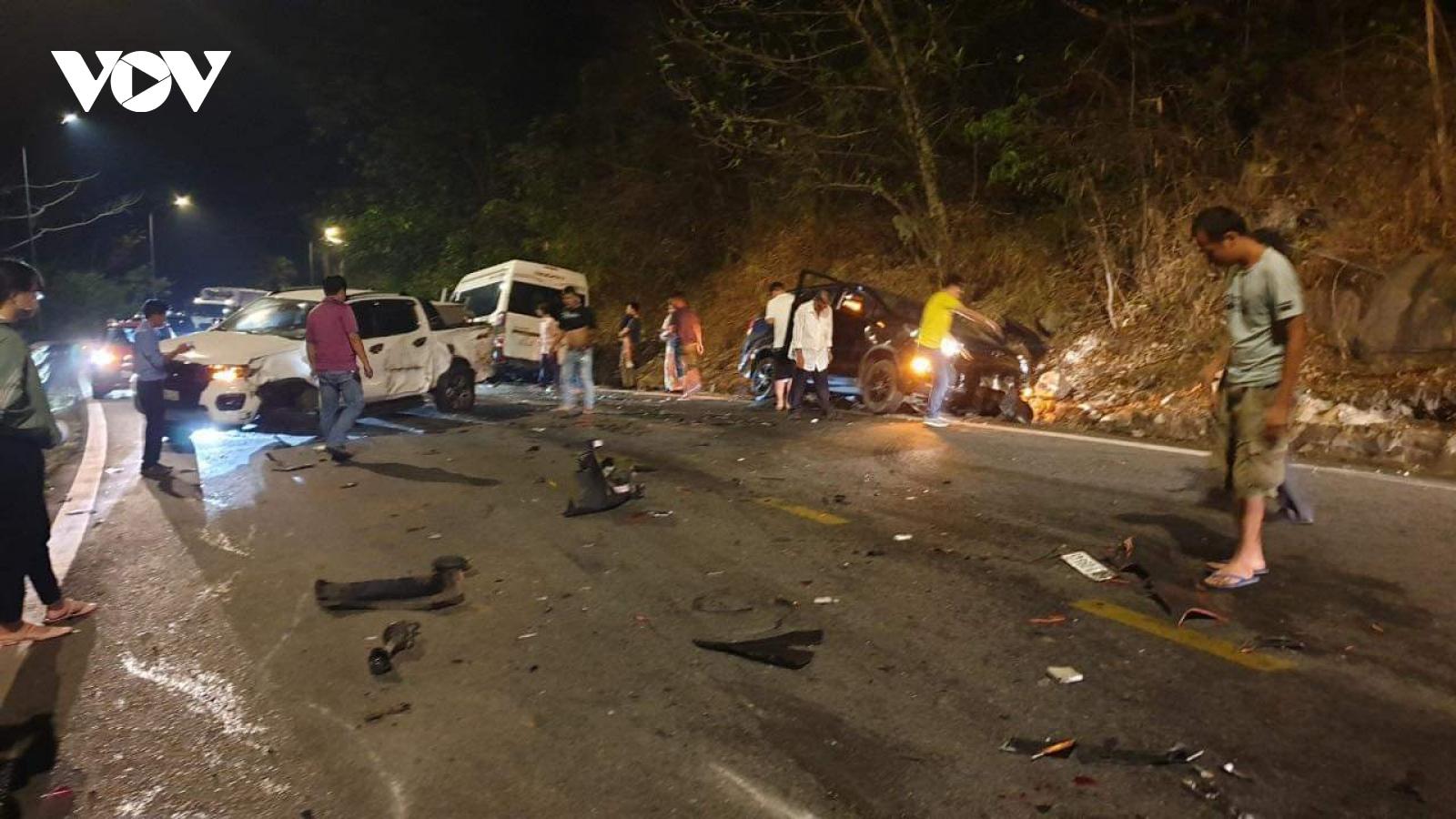 Tainạn liên hoàn trên đèo Bảo Lộc (Lâm Đồng) gây kẹt xe kéo dài