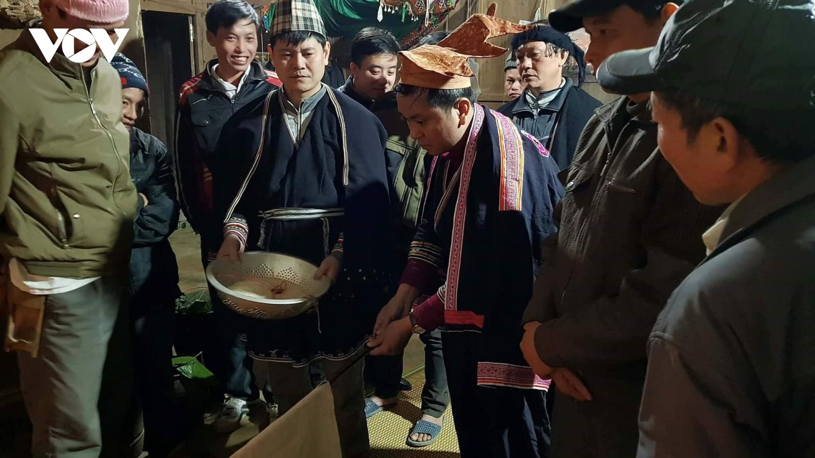 Púng nhnáng - Đặc sắc tết họ của người Dao Tiền Sơn La