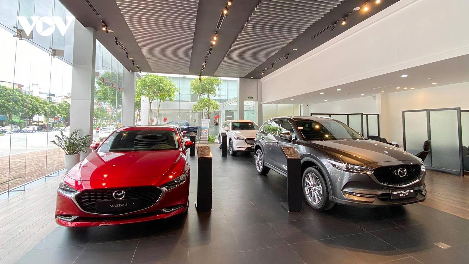 Hết giảm 50% phí trước bạ, thị trường ô tô sụt giảm mạnh mẽ